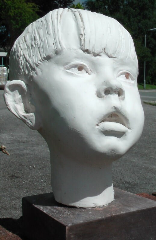 Bust-of-a-5-year-old-boy-Richard-Austin-sculpture