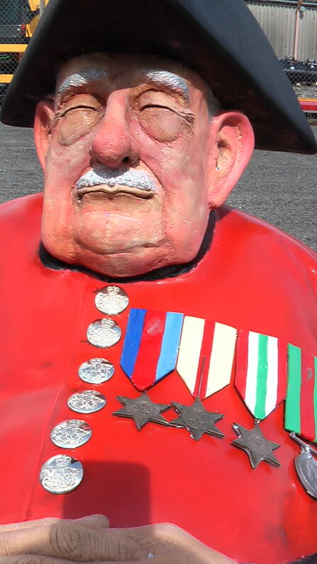 Chelsea-Pensioner-Richard-Austin-sculpture-2