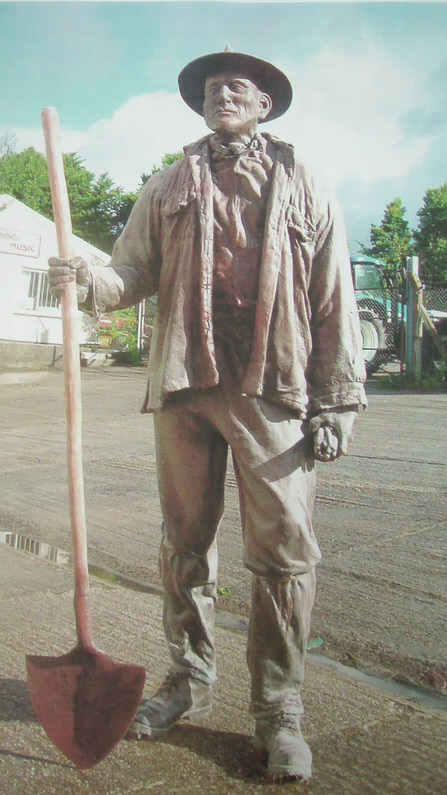 Miner-Richard-Austin-sculpture