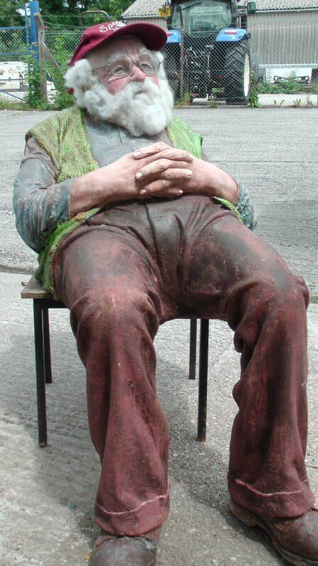 Old-Man-Richard-Austin-sculpture